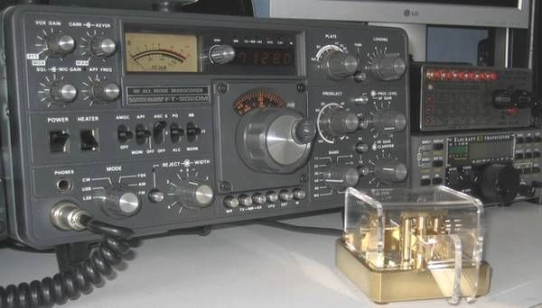 Sommerkamp FT-902 DM, Manipulateur Morse Schurr, Elecraft K2, et MFJ-492